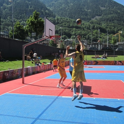 """Dia Olímpic 2017 - Bàsquet 3x3 • <a style=""""font-size:0.8em;"""" href=""""http://www.flickr.com/photos/150577621@N02/35238452402/"""" target=""""_blank"""">View on Flickr</a>"""